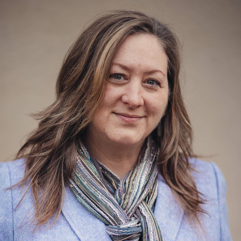 Kim Dertien, Senior Associate